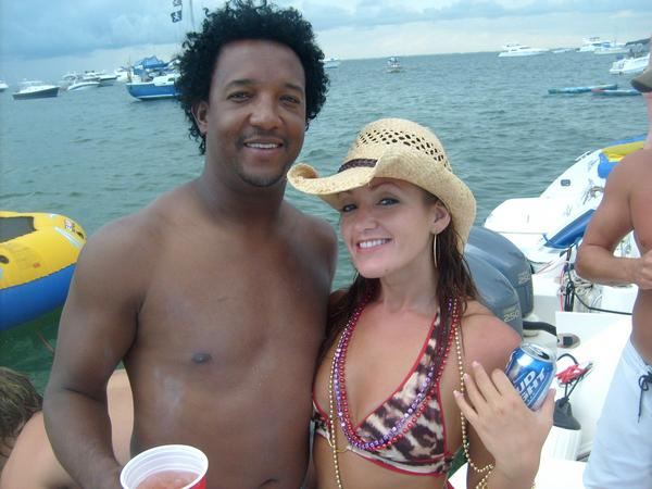 bronson_arroyo_boat_bikini_party_8