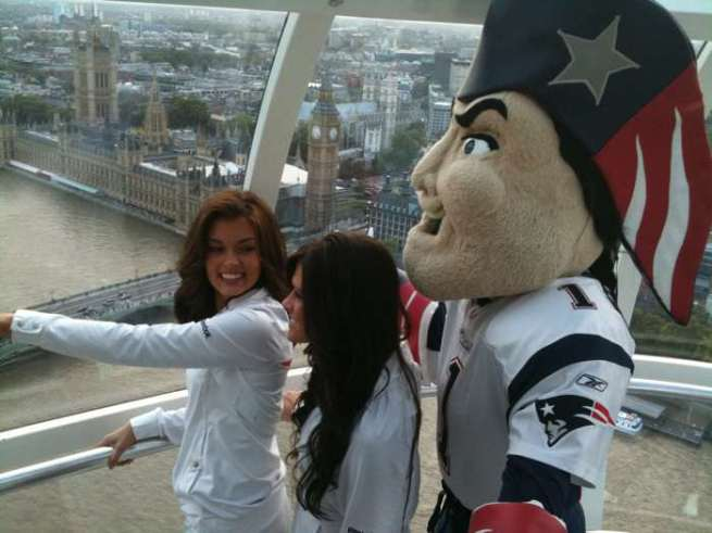 Patriots Cheerleaders at the Eye